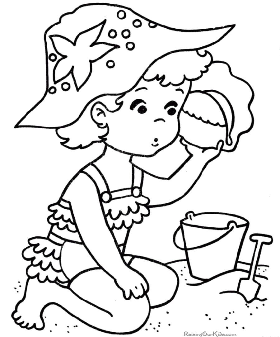 Раскраска  лето девочка ребенок слушает ракушку на пляже и играется в песке. Скачать Лето.  Распечатать Лето