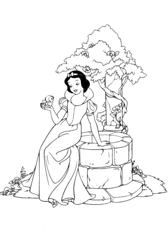 Раскраска Белоснежка сидит на колодце. Скачать белоснежка.  Распечатать белоснежка