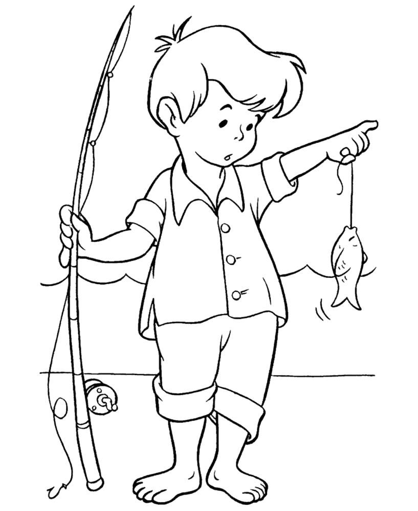 Раскраска мальчик поймал маленькую рыбку. Скачать Лето.  Распечатать Лето