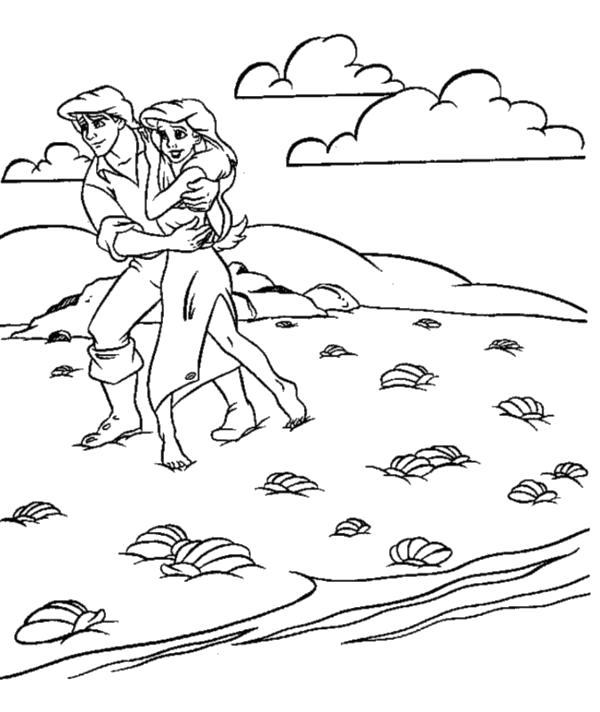 Раскраска  Ариэль и принц на берегу. Скачать .  Распечатать