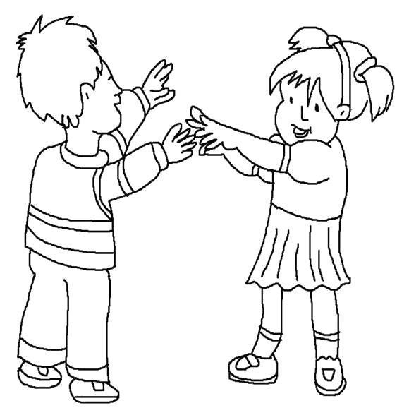 Раскраска Мальчик и девочка играют. Скачать .  Распечатать