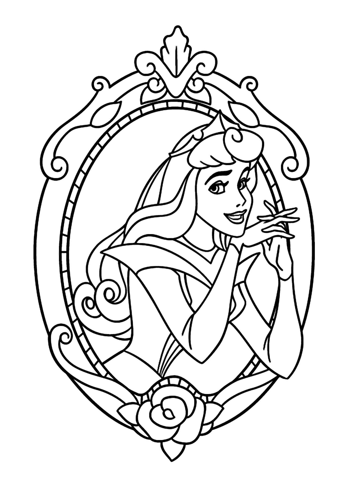 Раскраска Принцесса в зеркале. Скачать принцесса.  Распечатать принцесса