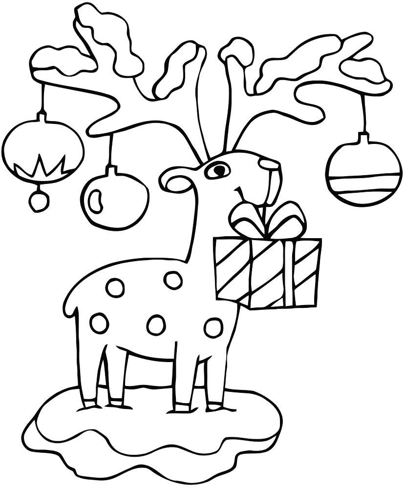 Раскраска олень с игрушками, наряженный олень. Скачать Рождество.  Распечатать Рождество
