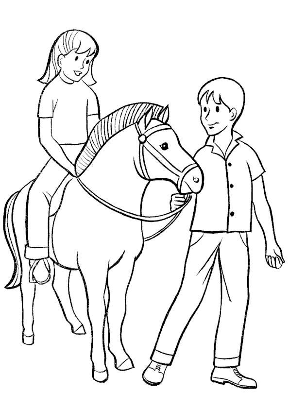 Раскраска В деревне у бабушки. . Скачать Лошадь.  Распечатать Домашние животные