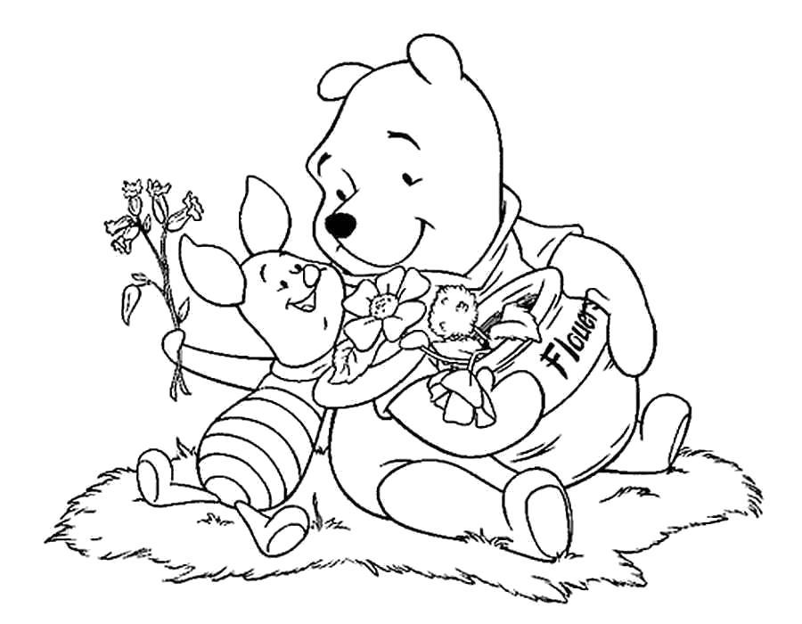 Название: Раскраска Раскраски для детей 5 лет, винни пух и его друзья, пятачок дарит винни цветок. Категория: . Теги: .