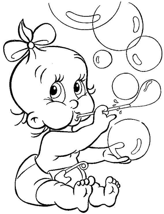 Раскраска Малышка надувает пузырьки. Скачать .  Распечатать