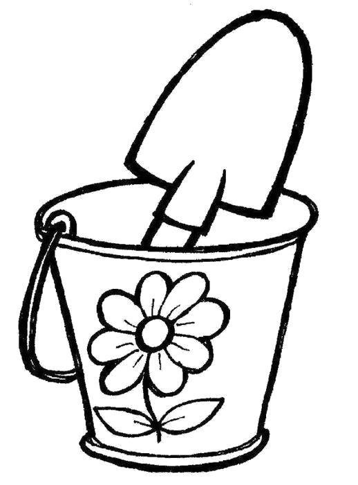 Раскраска Ведерко и лопатка для игры в песочнице. Скачать .  Распечатать
